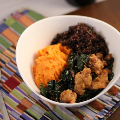 Superfood Bowl with Spicy Kale and Tempeh