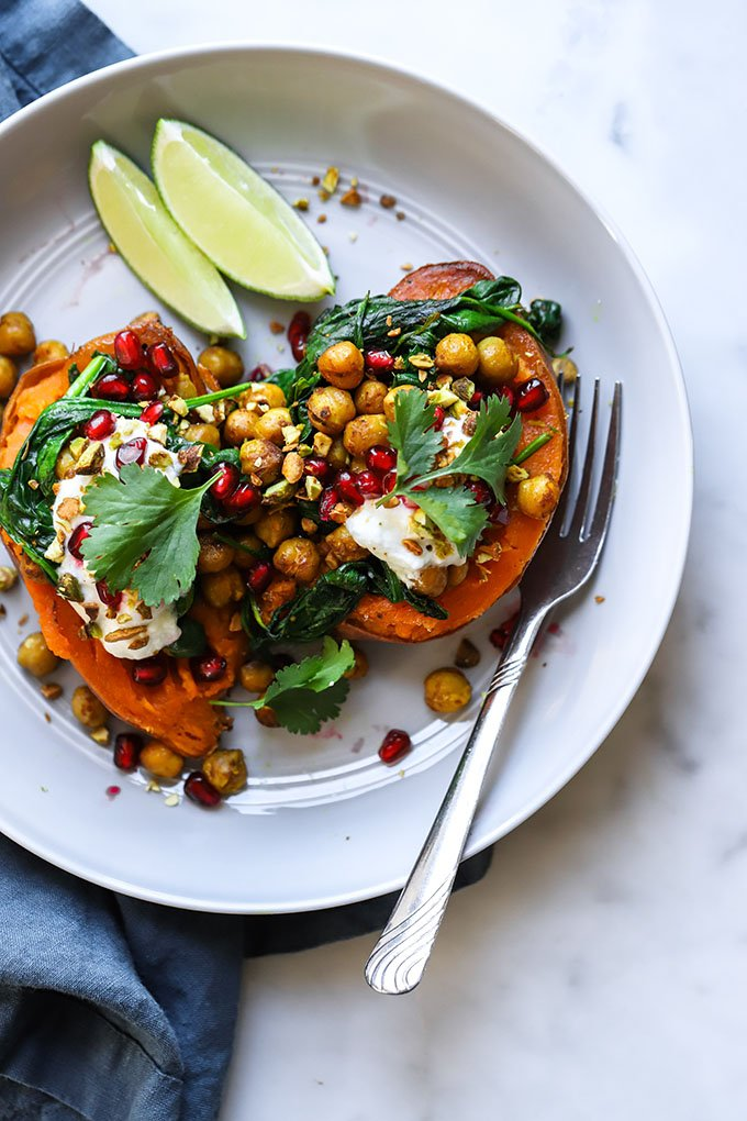 Curry Chickpea Stuffed Sweet Potato | Super simple dinner recipe