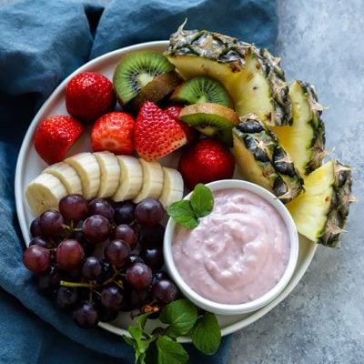 Healthy Strawberry Yogurt Fruit Dip