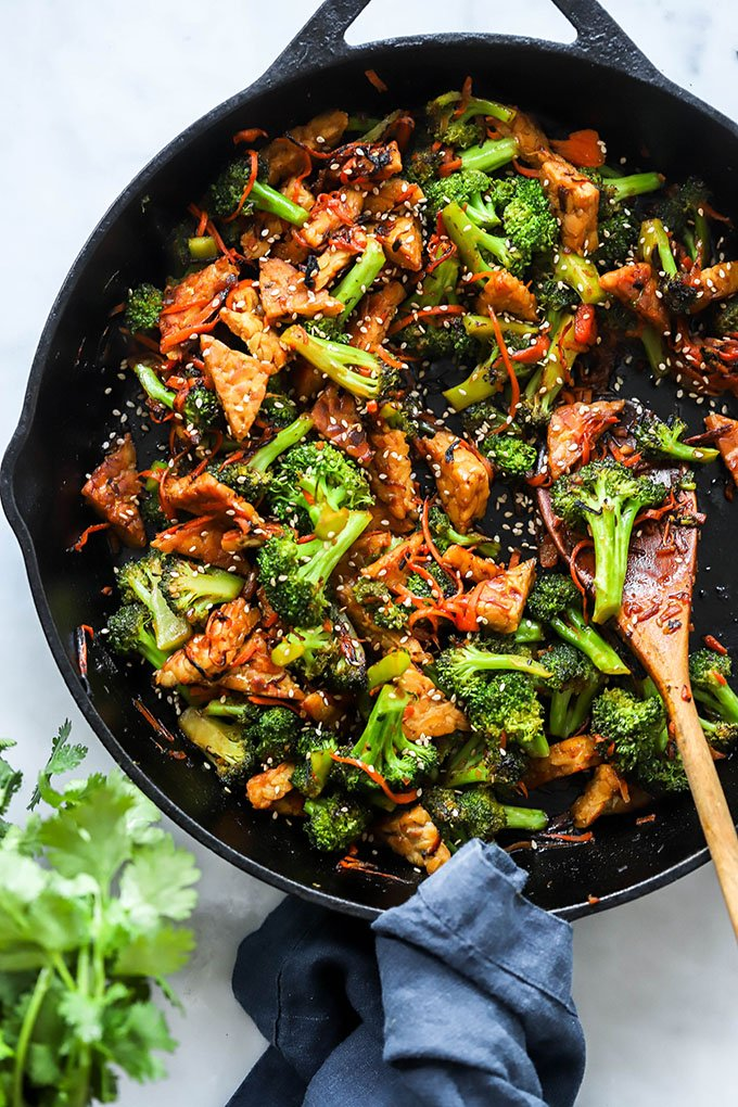 Teriyaki tempeh and broccoli stir fry